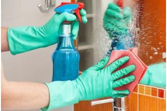 Узнайте, что нужно сделать, чтобы помыть зеркало без разводов